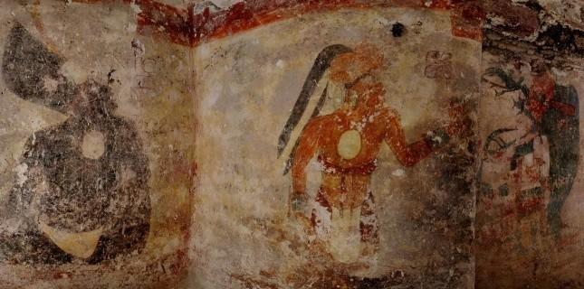 Découverte du plus ancien calendrier maya  36710410