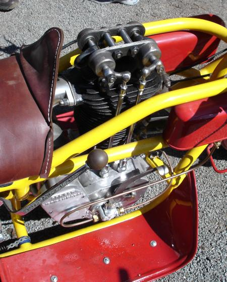 HALICSKA MOTORKAREN M210