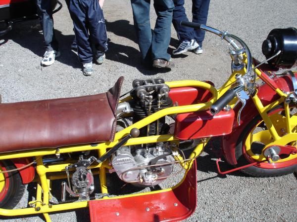 HALICSKA MOTORKAREN M310