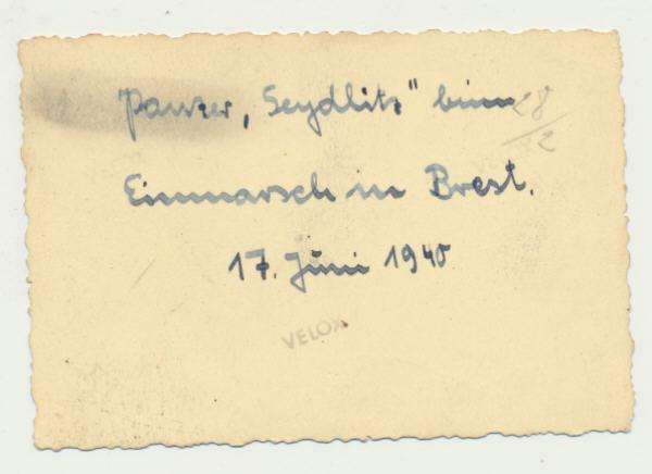 Juin 1940 à Brest... - Page 2 Panzer17