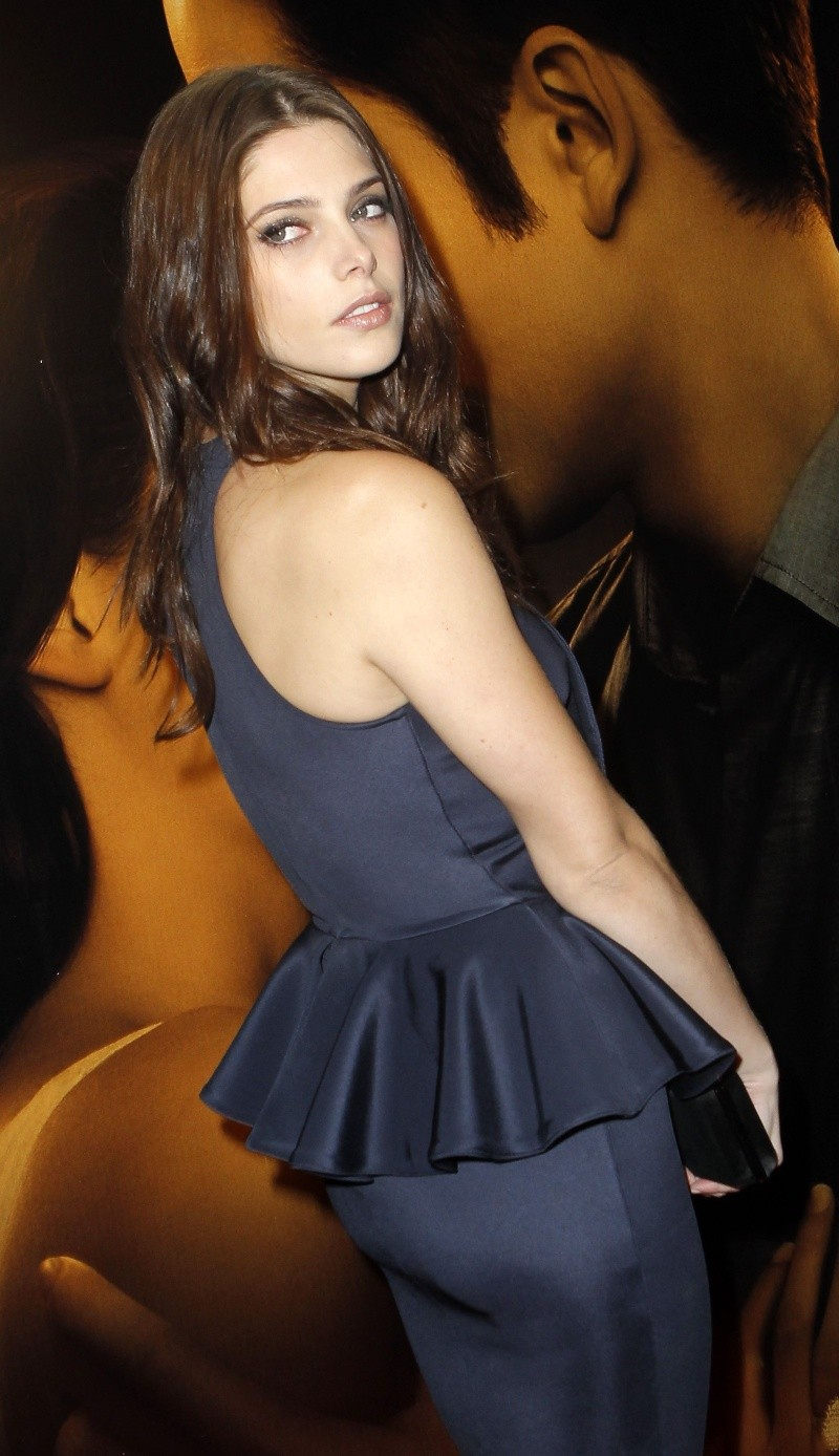 Ashley Greene Cu-ash10