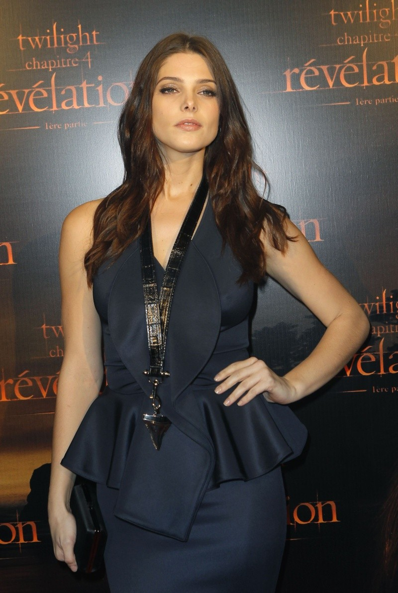 Ashley Greene Cu-ash12