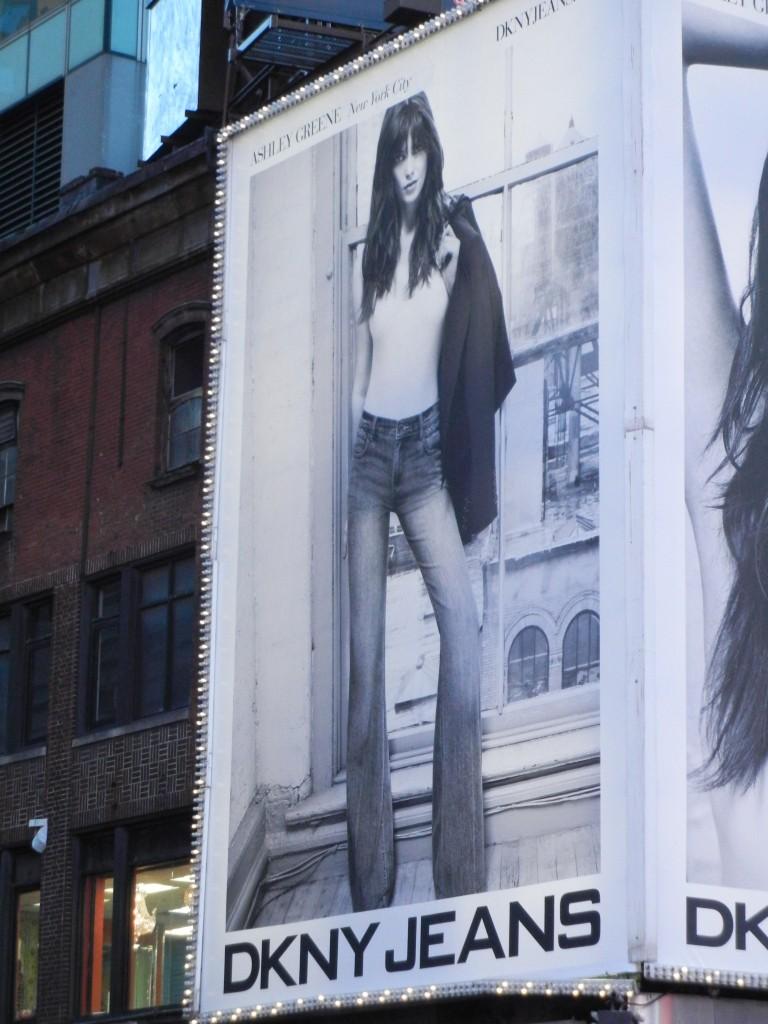 campagnes  pour DKNY  Dscn2210