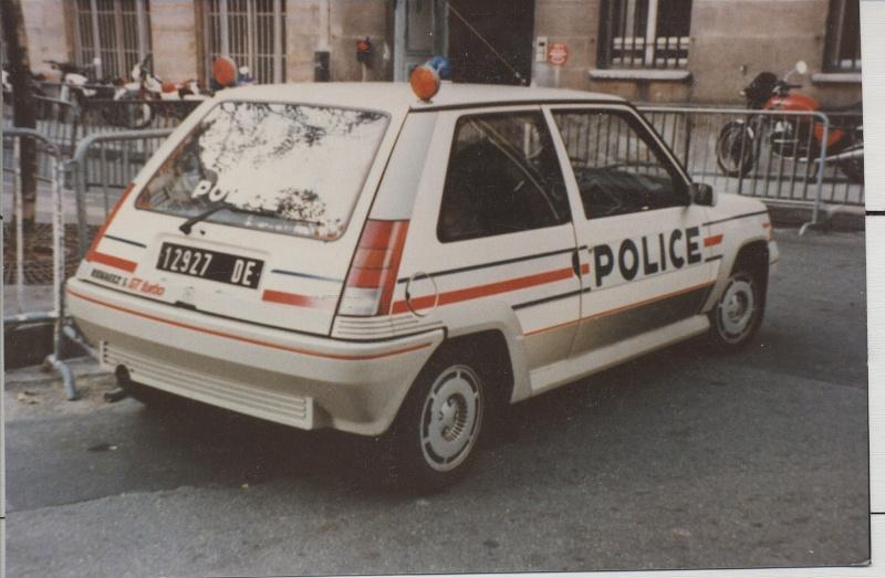 Les voitures des forces de l'ordre dans le monde C5a42710