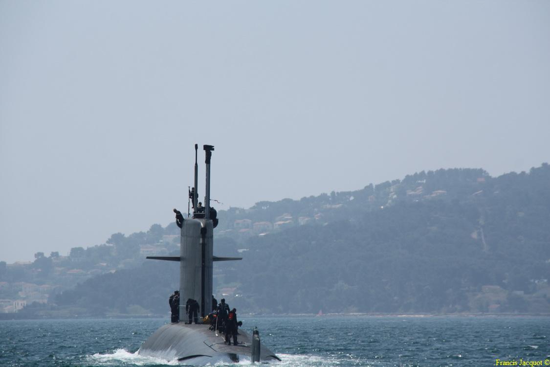 [LES PORTS MILITAIRES DE MÉTROPOLE] Mouvements de Bâtiments dans la rade de Toulon 0574