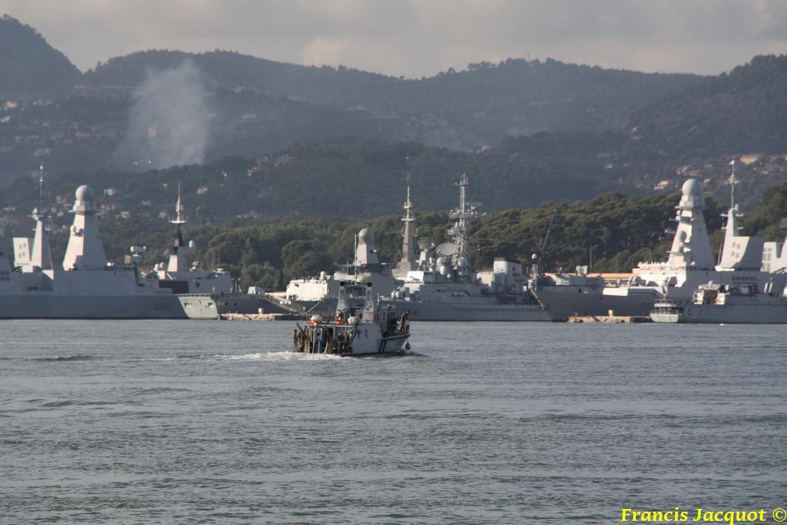 [LES PORTS MILITAIRES DE MÉTROPOLE] Mouvements de Bâtiments dans la rade de Toulon 1037