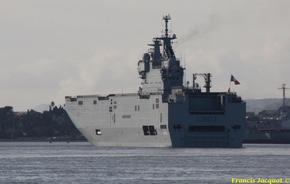 [LES PORTS MILITAIRES DE MÉTROPOLE] Mouvements de Bâtiments dans la rade de Toulon 1236