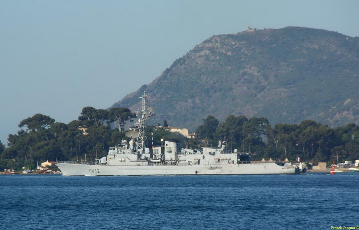 [Les ports militaires de métropole] Port de Toulon - TOME 1 - Page 2 Img_7410