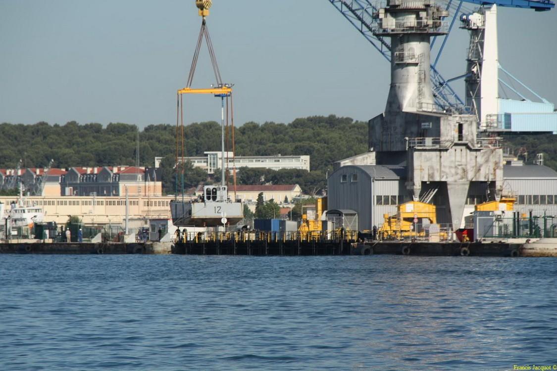 [LES PORTS MILITAIRES DE MÉTROPOLE] Mouvements de Bâtiments dans la rade de Toulon - Page 2 Img_7510