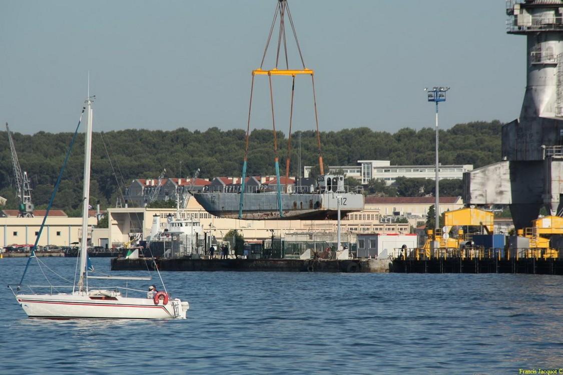 [LES PORTS MILITAIRES DE MÉTROPOLE] Mouvements de Bâtiments dans la rade de Toulon - Page 2 Img_7512