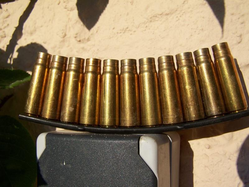 Marques sur etuis de 8x60 Mauser - Page 2 100_8011