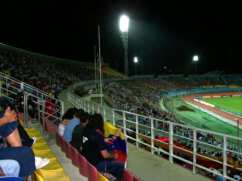 Puerto la Cruz | Estadio José Antonio Anzoátegui | 36.000 Visata10