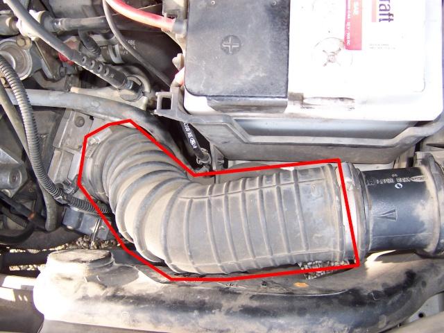 [ Ford Fiesta Zetec 1,25 an 1999 ] broute, ne tire plus Durite10