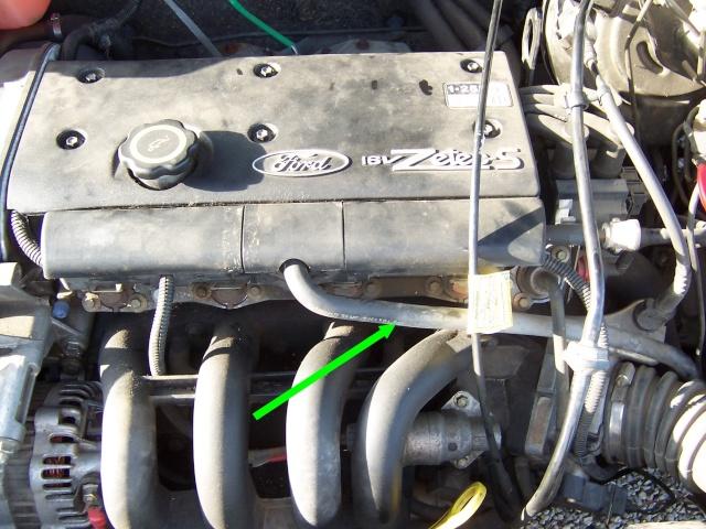[ Ford Fiesta Zetec 1,25 an 1999 ] broute, ne tire plus Durite12