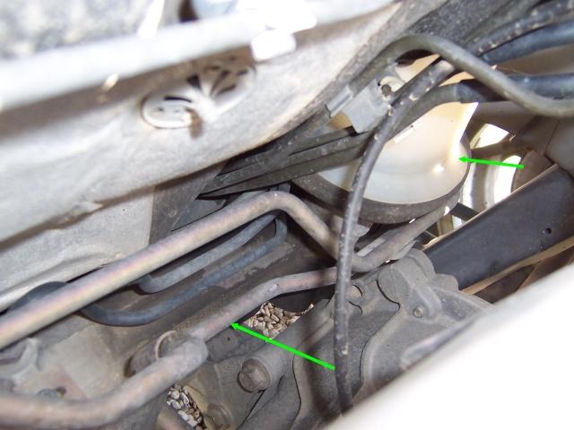 [ Ford Fiesta Zetec 1,25 an 1999 ] fil coupé, qu'alimente-t-il ? (résolu) Durite15