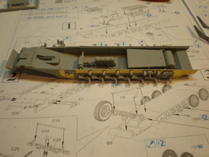 Sdkfz 251/7 ausf D de chez Dragon 410