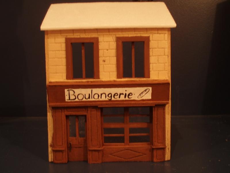 Bren Carrier et Boulangerie française CAEN 1944 P4120013