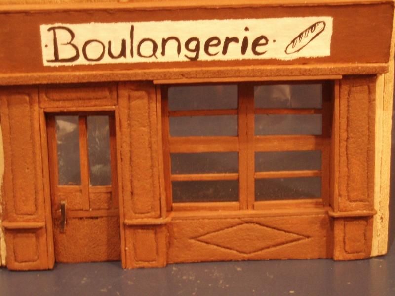 Bren Carrier et Boulangerie française CAEN 1944 P4120015