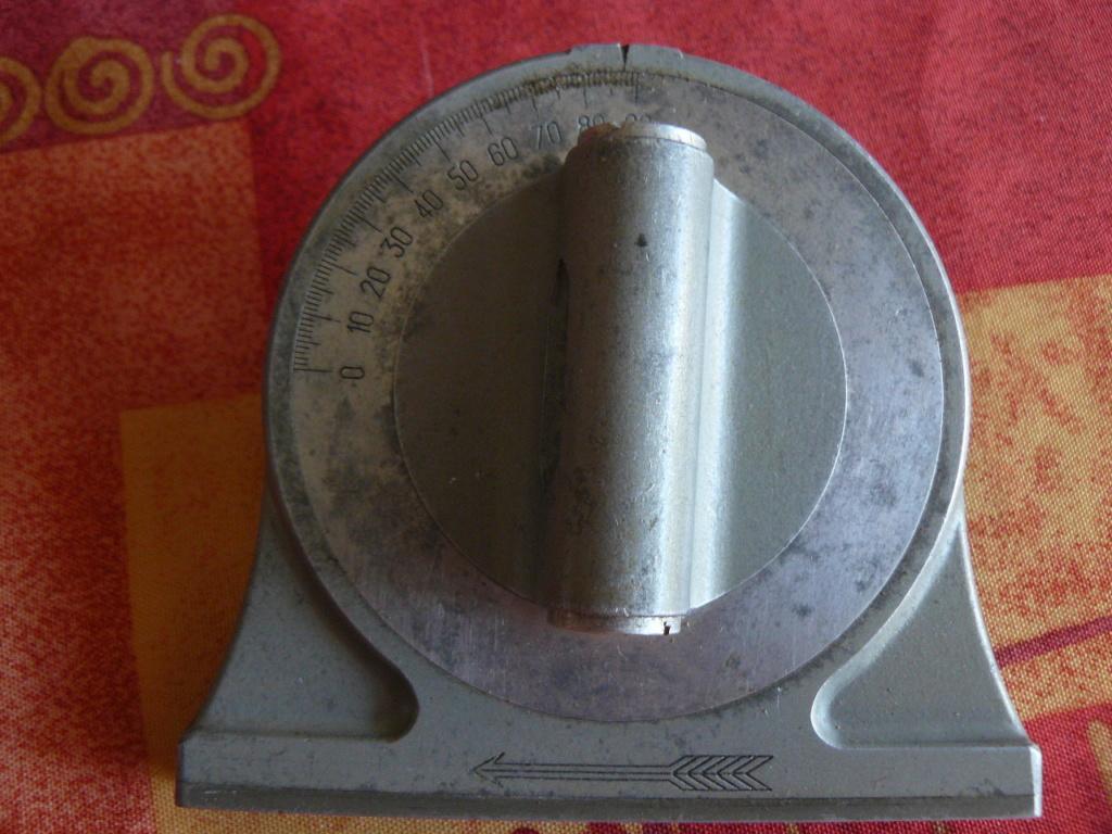 Niveau d'artillerie P1190618