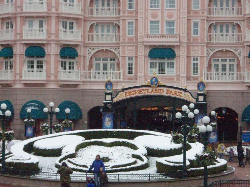 Disney et le mauvais temps (orage, pluie, neige, grêle...) - Page 5 P4070111