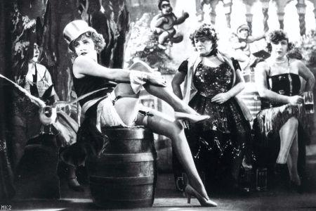 Le cabaret au cinéma. 1784610