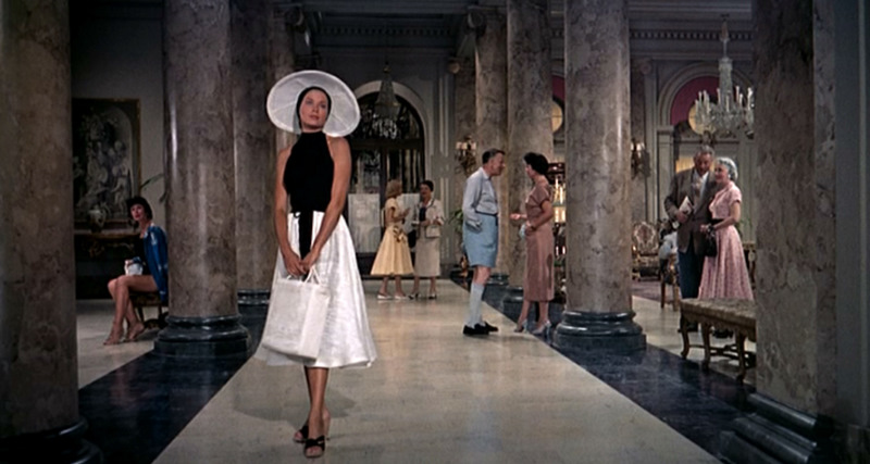 La mode dans le cinéma des années fifties.  - Page 2 Catch_10