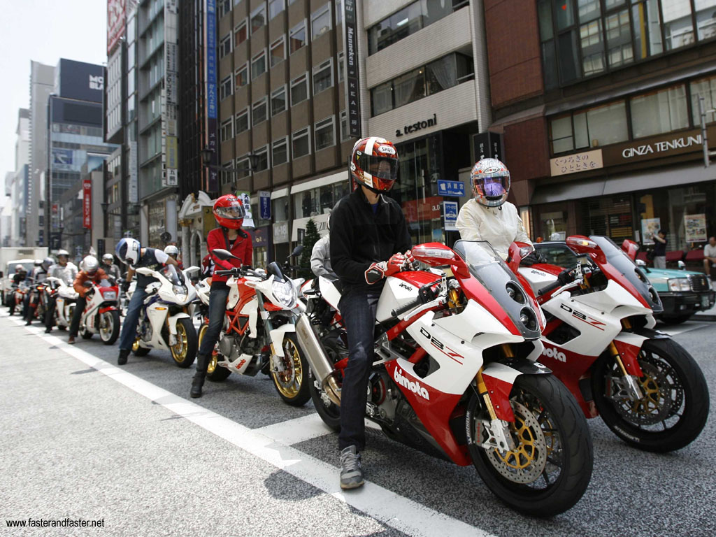 Le Japon, le pays de Bimota ! 5-110