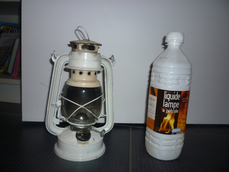 Les lampes ou lanterne a pétrole , ou tempête , de mineur ou de mouillage P1080610