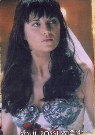 Lucy Lawless et Amy Lee, une ressemblance ?? - Page 2 2004ca12