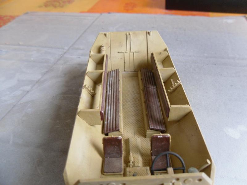 Sd.Kfz 251/1 - Ausf.D Tamiya 1/35-Maj 17/09/11 Sam_0029
