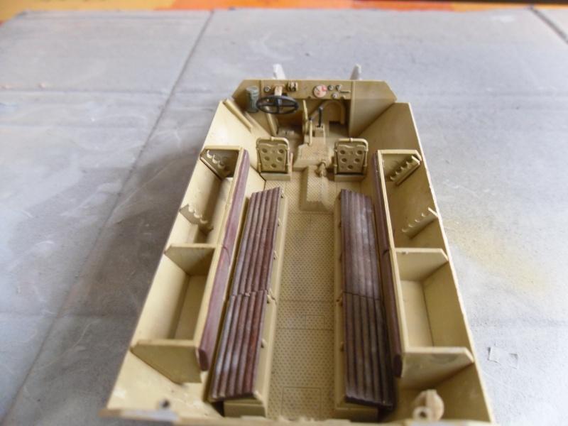 Sd.Kfz 251/1 - Ausf.D Tamiya 1/35-Maj 17/09/11 Sam_0030