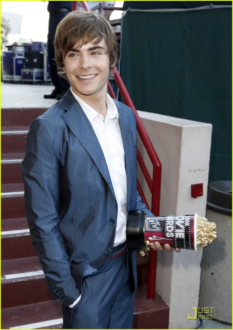 Zac Efron en los MTV movie Awards! Zac-ef17