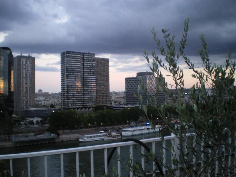CASSIS-CARNOUX FAIT SCINTILLER PARIS............... Imgp2564