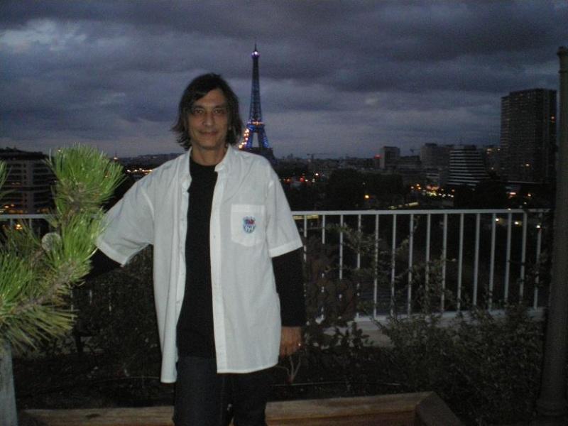 CASSIS-CARNOUX FAIT SCINTILLER PARIS............... Imgp2565