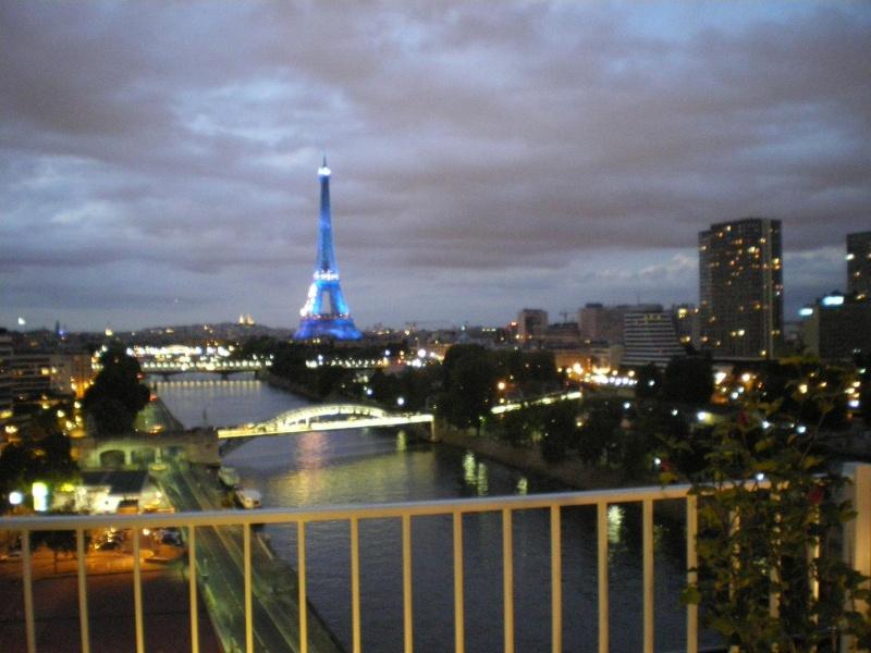 CASSIS-CARNOUX FAIT SCINTILLER PARIS............... Imgp2572