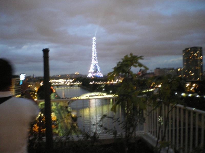 CASSIS-CARNOUX FAIT SCINTILLER PARIS............... Imgp2576