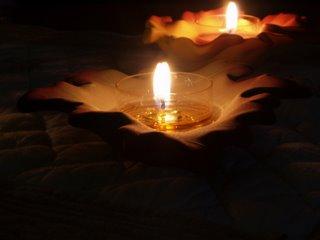 Le 7 Aout nous unirons notre lumière.Allumez une Bougie pour le Tibet . Bougie10