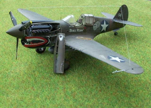 "P-40 E ""Flying Tiger"" Hasegawa 1/48  Dscf1011"