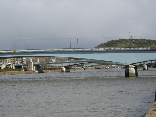 [Activité hors-Marine des ports] LE PORT DE ROUEN Imgp0227