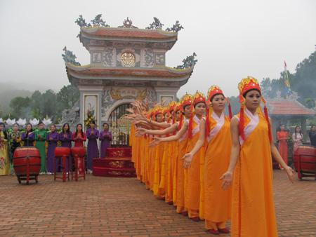 Lễ hội đền Huyền Trân 11220110