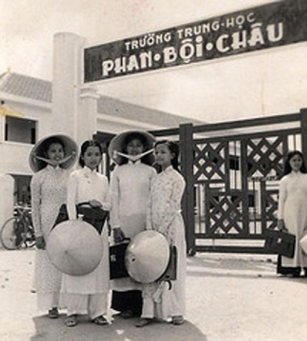 Đồng phục áo dài của nữ sinh Việt qua các thời kỳ  12042311