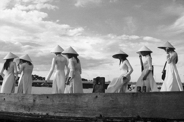 Đồng phục áo dài của nữ sinh Việt qua các thời kỳ  12042314