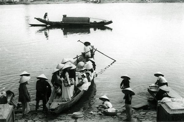 Đồng phục áo dài của nữ sinh Việt qua các thời kỳ  12042318