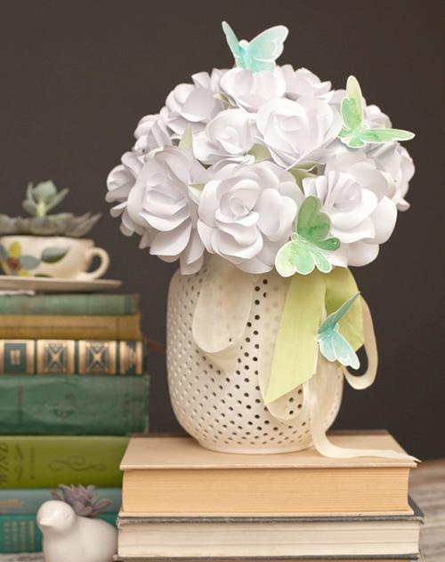 Bó hoa hồng bằng giấy trắng 12042821