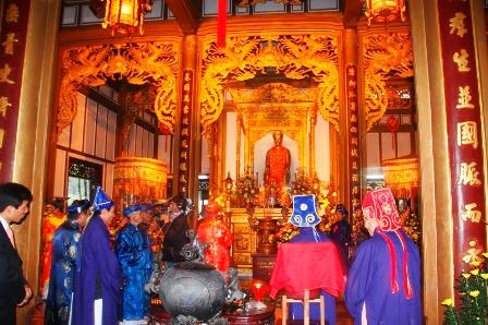 Lễ hội đền Huyền Trân 18606310