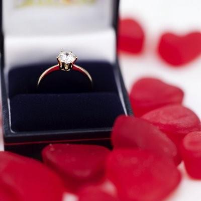 Quà tặng Valentine theo cung Hoàng đạo 74578210
