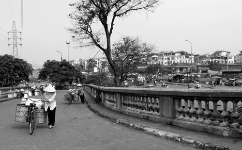 Vẻ đẹp cây cầu Long Biên 100 năm tuổi _htv0910