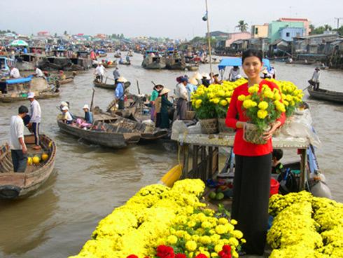 Chợ hoa nổi trên sông Cho-ho17