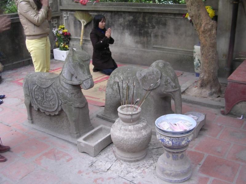 Bí mật ngôi đền cứ bước chân vào hậu cung là mất mạng Images36
