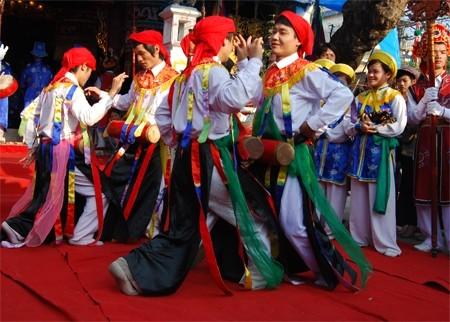 Lễ hội làng Triều Khúc Mua20b10